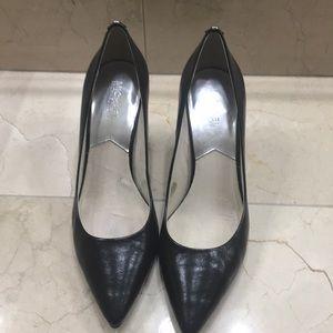 Michael Kors black leather pumps LIKE NEW